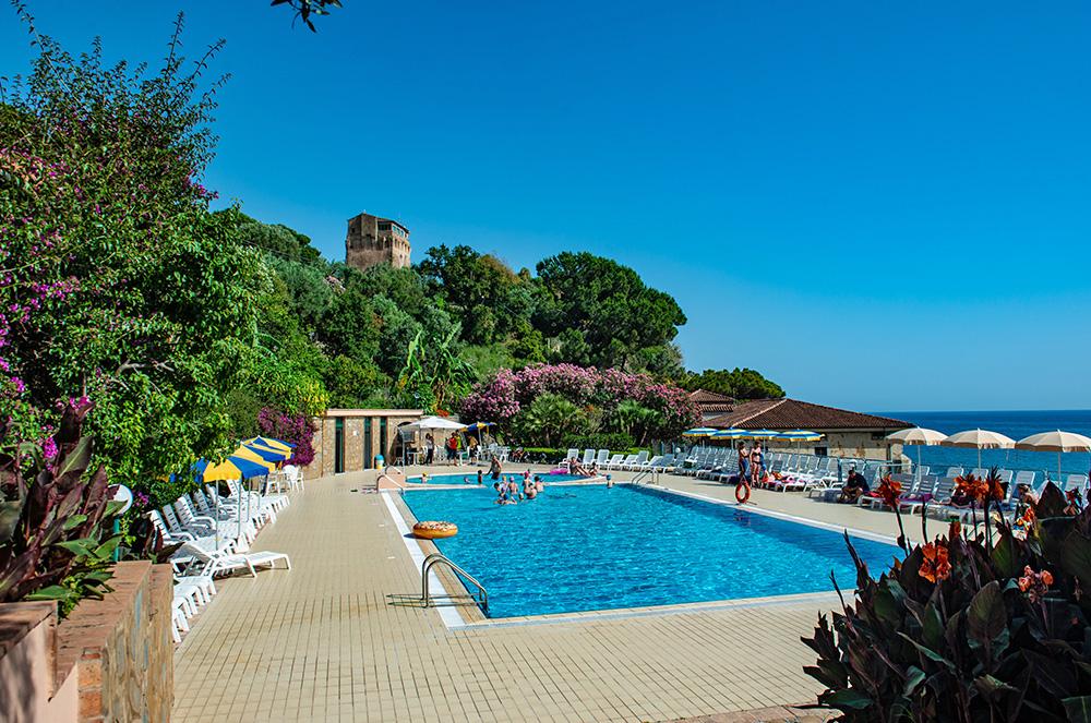 lido-paradiso-la-piscina