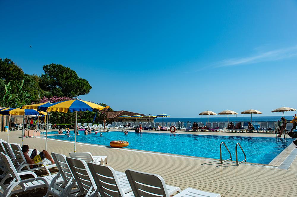 lido-paradiso-la-piscina-villaggi-turistici-offerte